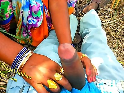Indian Desi Girl Friend in Open Feilds khet Village Outdoor Sex Sex In Jungal