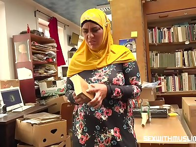Bookstore owner fucks a happy muslim milf
